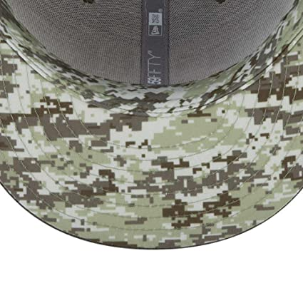 detailed look e65db b5b40 Amazon.com  New Era 59Fifty Hat Los Angeles Chargers NFL On-Field Salute to Service  Cap  Clothing