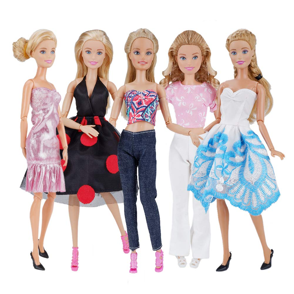 Adorable outfits for Barbie Dolls