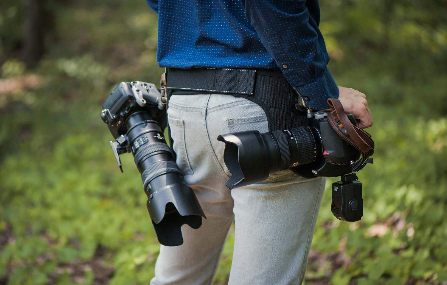 Spider Camera Holster SpiderPro Dual Camera System v2 (DCS), Belt System with Holsters for Two DSLRs, and Camera Cleaning Bundle by SpiderHolster (Image #9)
