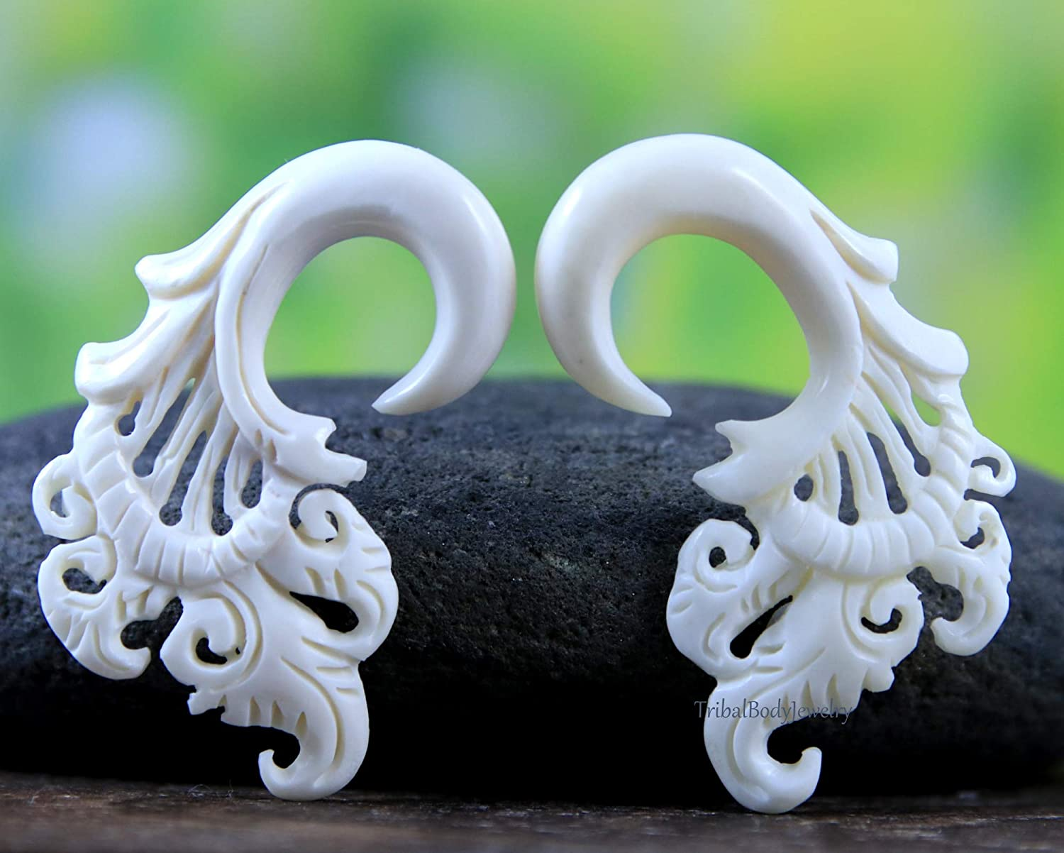 Amazon Com 0g Hand Carved Bone Gauge Earrings Stretchers Ear Tapers Body Piercing Tribal Jewelry 0ga Handmade