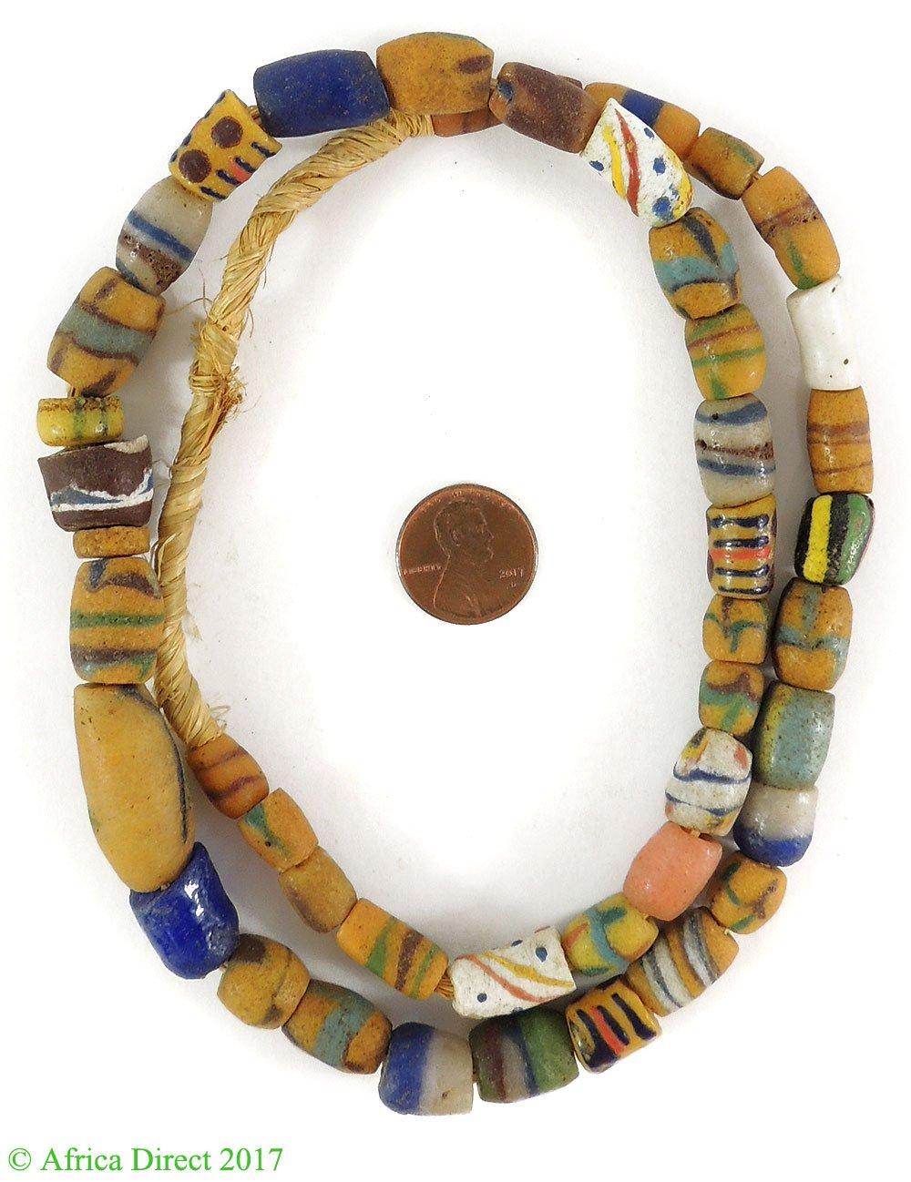 Old Krobo cuentas de polvo reciclado cristal mezclado Ghana África ...