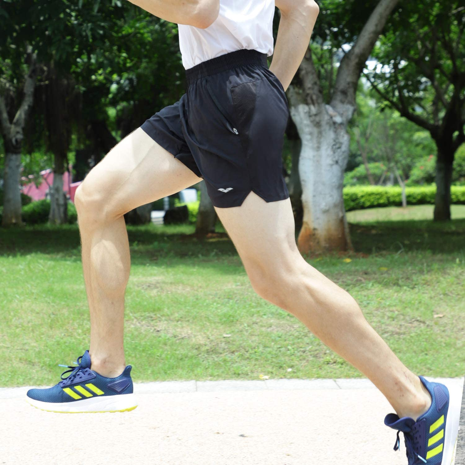 MIER Mens 5 Inches Running Athletic Shorts Quick Dry Workout Training Tennis Shorts with 4 Pockets Lightweight No Liner