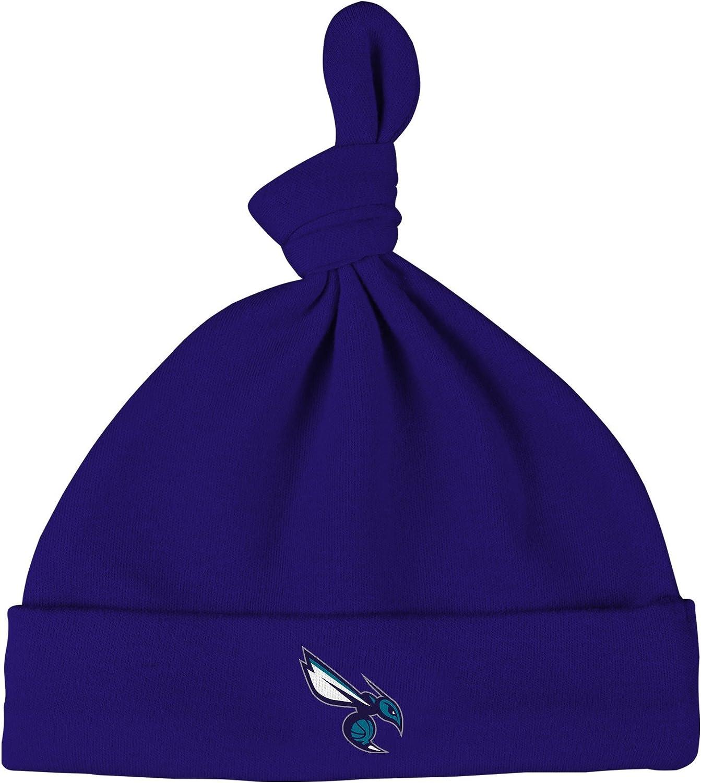 NBA by Outerstuff NBA Newborn NBA Newborn B-Ball Love Gown Hat and Bootie Set