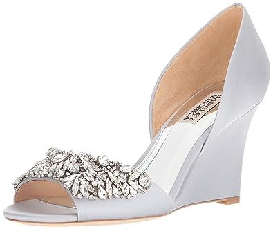 6e2eddf0a9 Amazon.com: Badgley Mischka Women's Hardy Wedge Sandal: Shoes