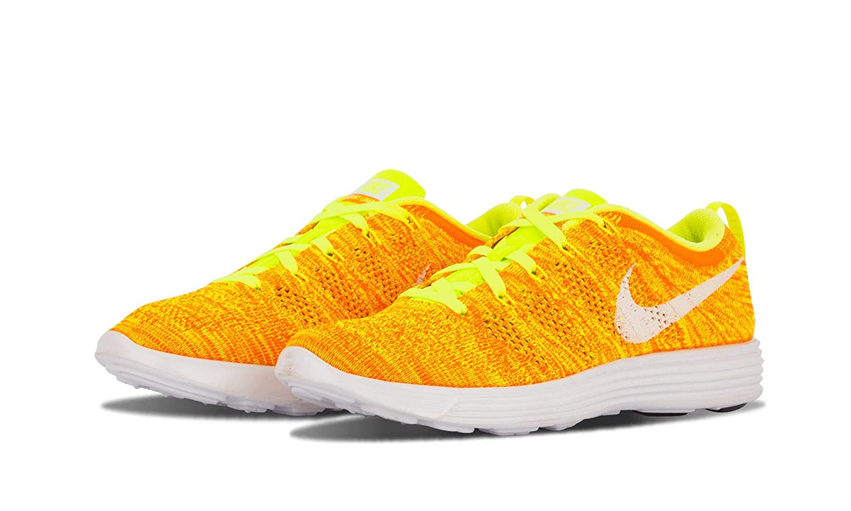 5909990f6b5b5 Amazon.com  Nike Wmns Flyknit Trainer - 7.5W - 638426 700  Shoes