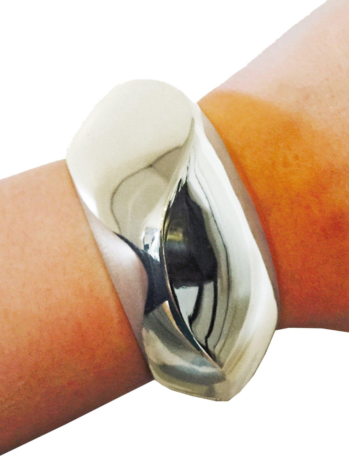 Fitbit Bracelet for FitBit Flex Fitness Trackers - The SASHA Wavy Metal Hinge Bangle Fitbit Bracelet (Silver, Fitbit Flex)