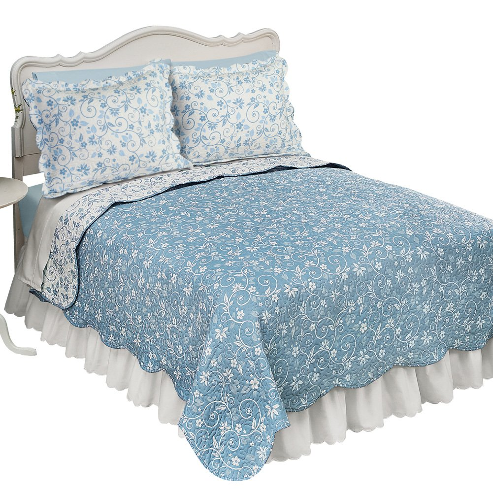 Collections Etc Floral Scroll Two-Tone with Scalloped Edges Reversible Lightweight Quilt, Sage, Twin