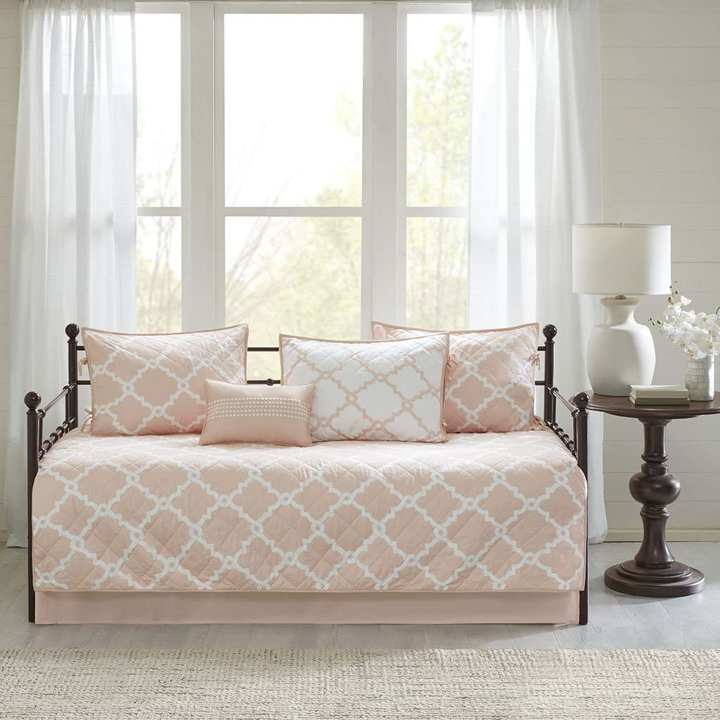 Madison Park Essentials Merritt Daybed Size Quilt Bedding Set - Blush, Geometric – 6 Piece Bedding Quilt Coverlets – Ultra Soft Microfiber Bed Quilts Quilted Coverlet