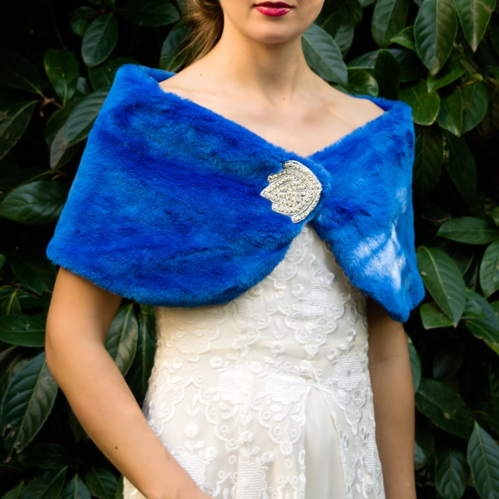 Faux fur wrap shrug stole blue bolero capelet