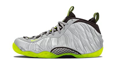 info for 4ae97 d7f1f Nike Men s Air Foamposite One PRM Mtllc Slvr VLT Blck MTLC Cl Gr