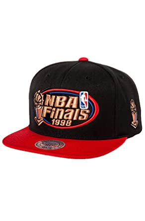 Mitchell   Ness Men s Chicago Bulls Finals Snapback One Size Black ... 3b7dc12cd220