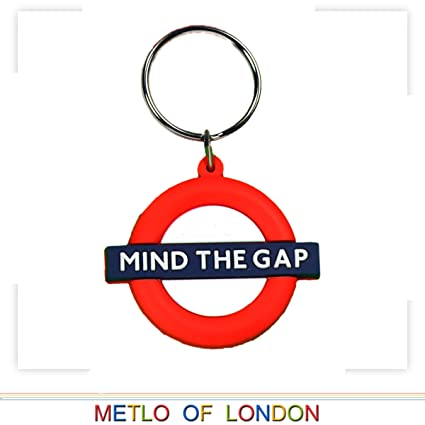 Amazon.com: Metro de Londres llavero de goma, Mind The Gap ...