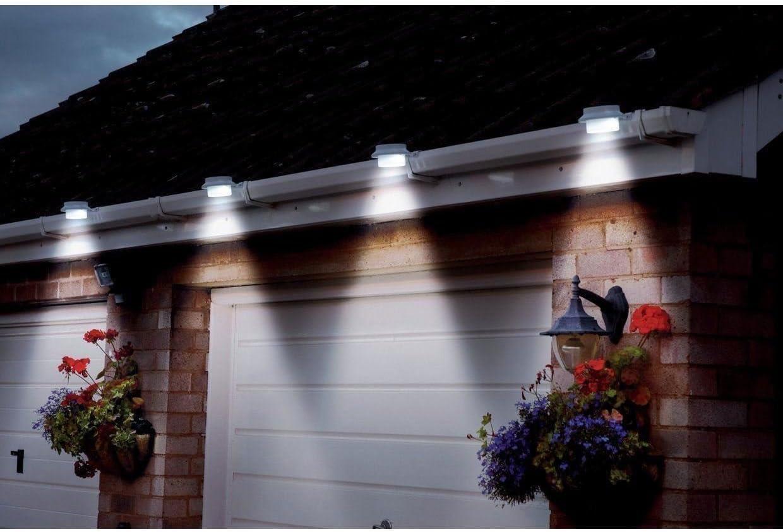 2x LED ENERGIA SOLARE RICARICABILE Capanno Luci Giardino Garage Recinto All/'aperto Illuminazione