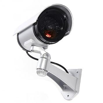 Cámara de vigilancia falsa de exterior con luz LED parpadeante e infrarrojos.