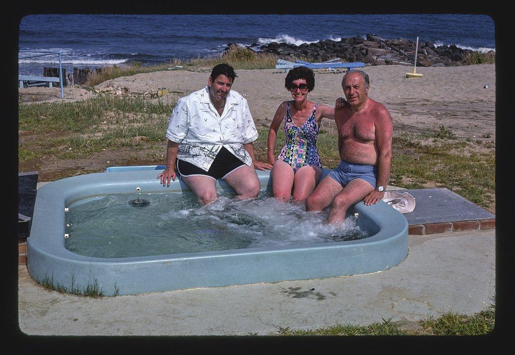 Vintography 24 x 16 Photo Harbor Island Spa, West Sand, New Jersey 1978 Margolies, John 65a