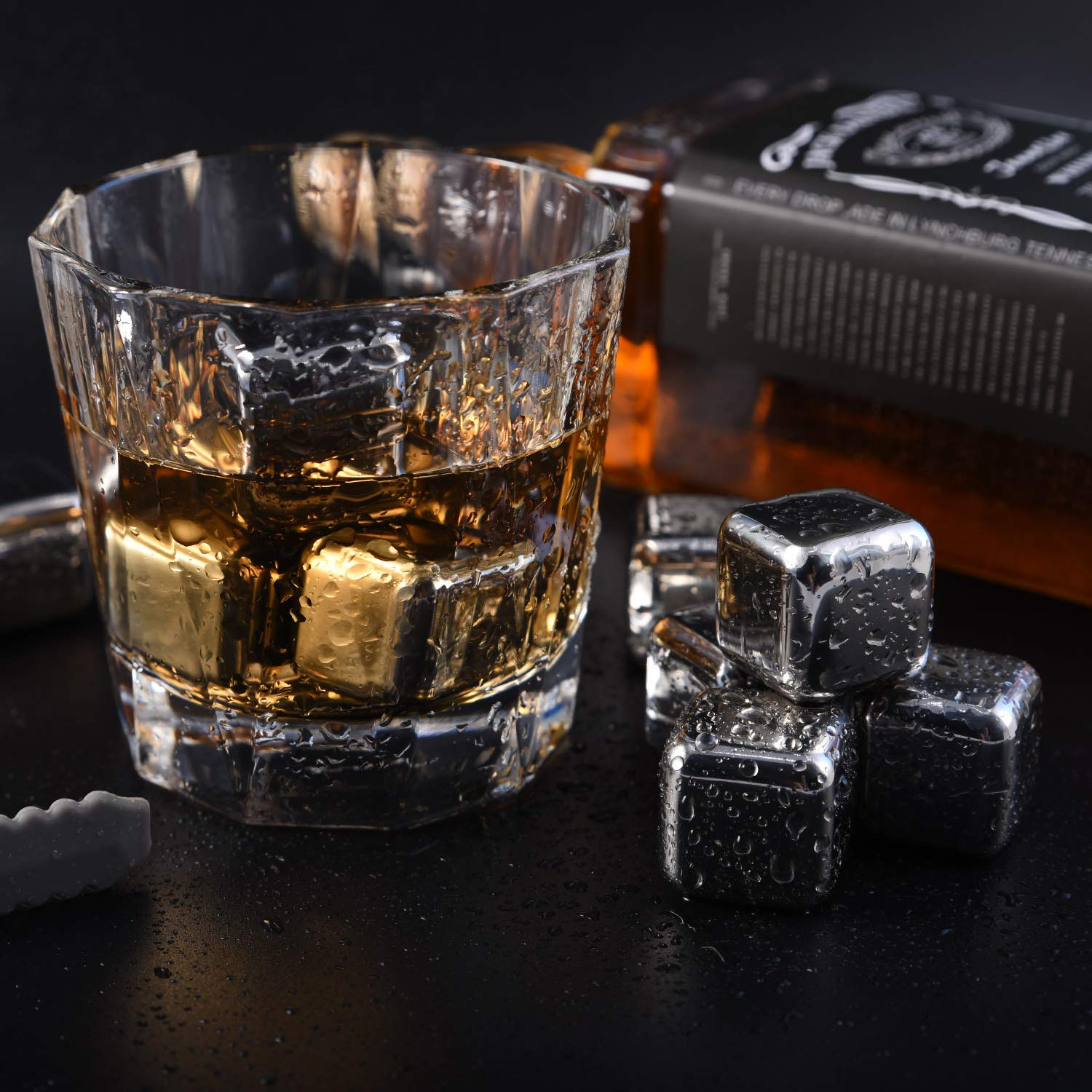 Mollyzillah Diamond-Shaped Stainless Steel Ice Cubes Whiskey Stones with 4PCS Cubes+ice tong a hyper cooler that can cool your drink in 90 seconds or less
