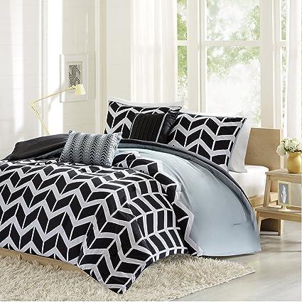 Amazoncom Intelligent Design Nadia Comforter Set Twin Xl Black