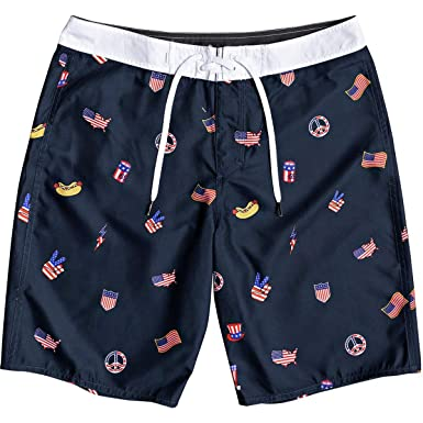 ea1394e2ce Amazon.com: Quiksilver Men's Everyday Hot Dog 20 Boardshort Swim Trunk:  Clothing