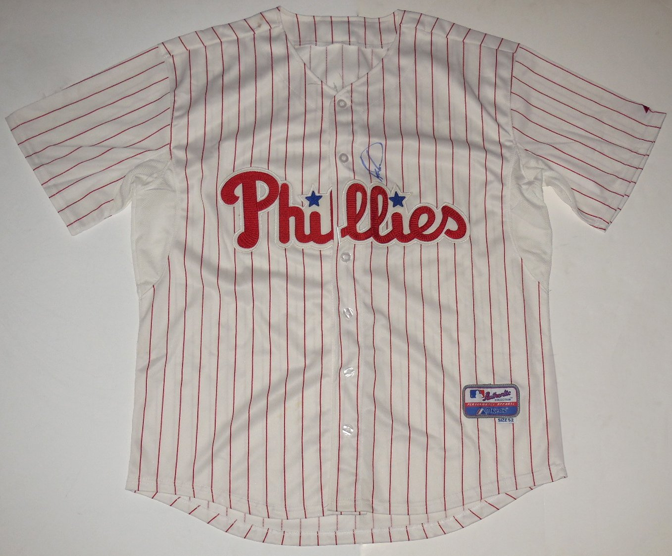 check out bbf5d 35ef1 Ryan Howard Autographed Jersey (Phillies) at Amazon's Sports ...