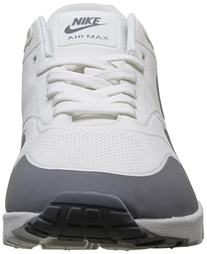 Nike Women s 704995 101