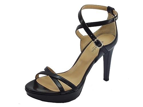 Sandali con tacco a spillo NeroGiardini in pelle colore nero