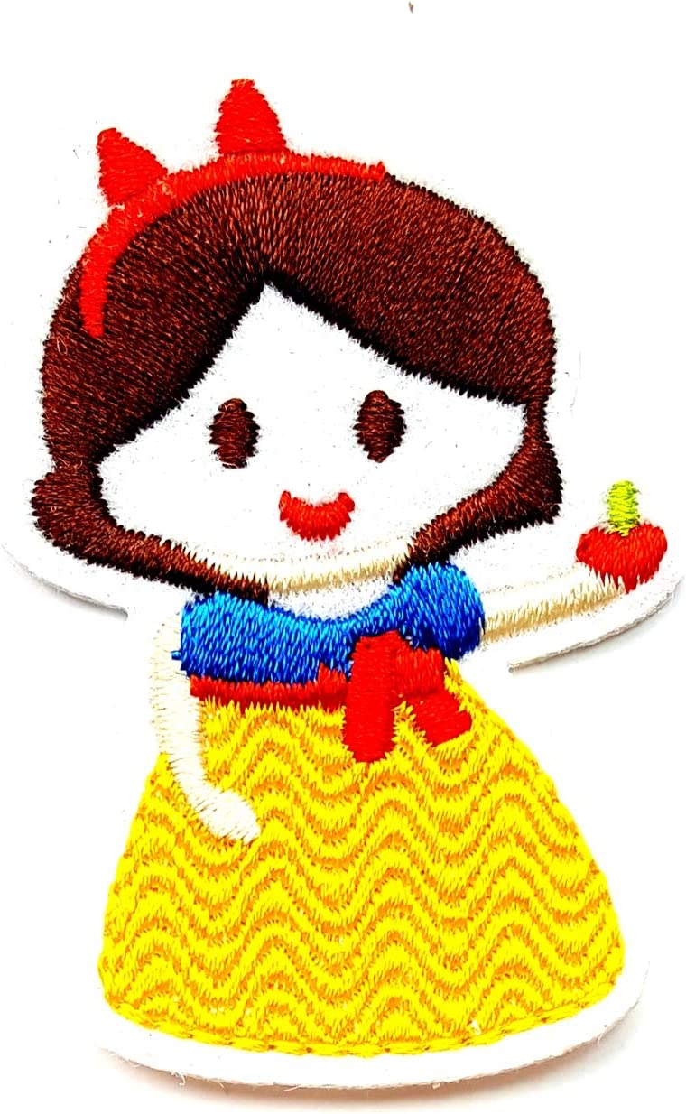 Pretty Princess with Apple Smile Yellow Dress Cartoon Children Kid Patch Clothes Bag T-Shirt Jeans Biker Badge Applique Iron on/Sew On Patch