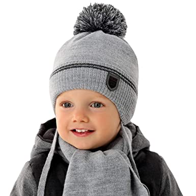 7e794051c2 EU Ware AJS Jungen Baby Winterset Set Kindermütze Wintermütze Bommelmütze  gefüttert Schal mit Wolle ab 8 Monate bis 2 Jahre Farbe Dunkel Grau:  Amazon.de: ...