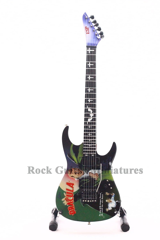 RGM125 Kirk Hammett METALLICA Dracula Guitarra en miñatura: Amazon.es: Electrónica