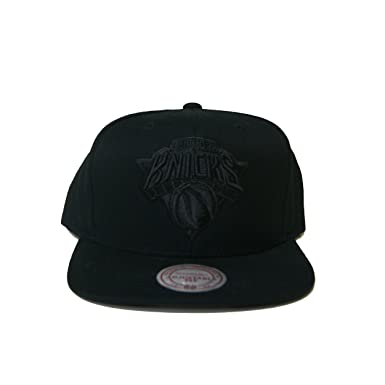 87f3f617b77 Image Unavailable. Image not available for. Colour  Mitchell   Ness NBA New  York Knicks Black on Black Snapback Hat