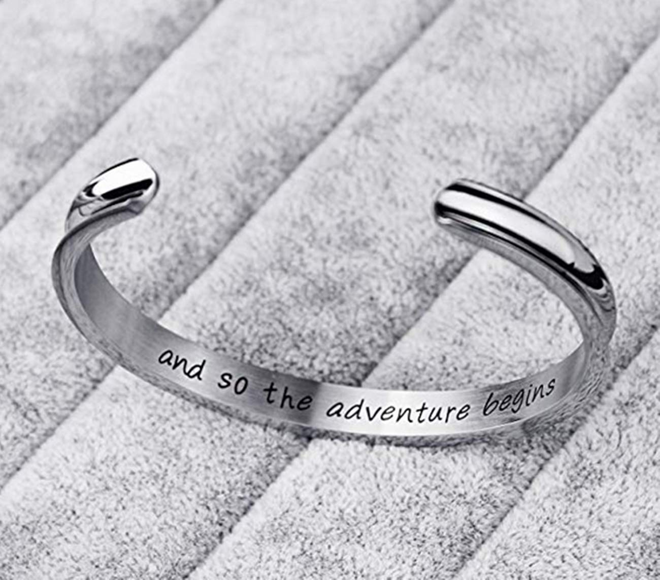 Best Friends Bracelet Sister Jewelry -Not Sisters by Blood But Sisters by Heart-Stainless Steel Friendship Bracelets Cuff Bangle Gifts for Women Girls