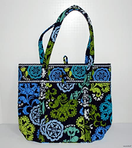 a068fd0ebc Amazon.com  Disney Vera Bradley Where s Mickey Vera Tote Bag  Shoes