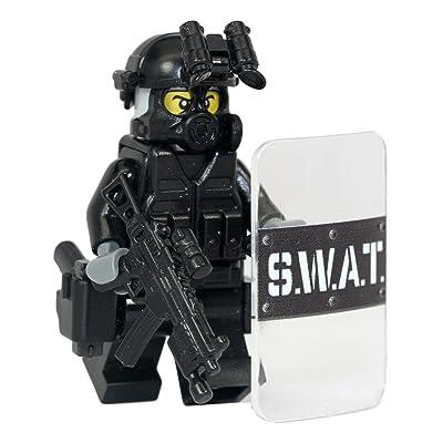 Modern Brick Warfare SWAT Police Officer Pointman Custom Minifigure: Toys & Games