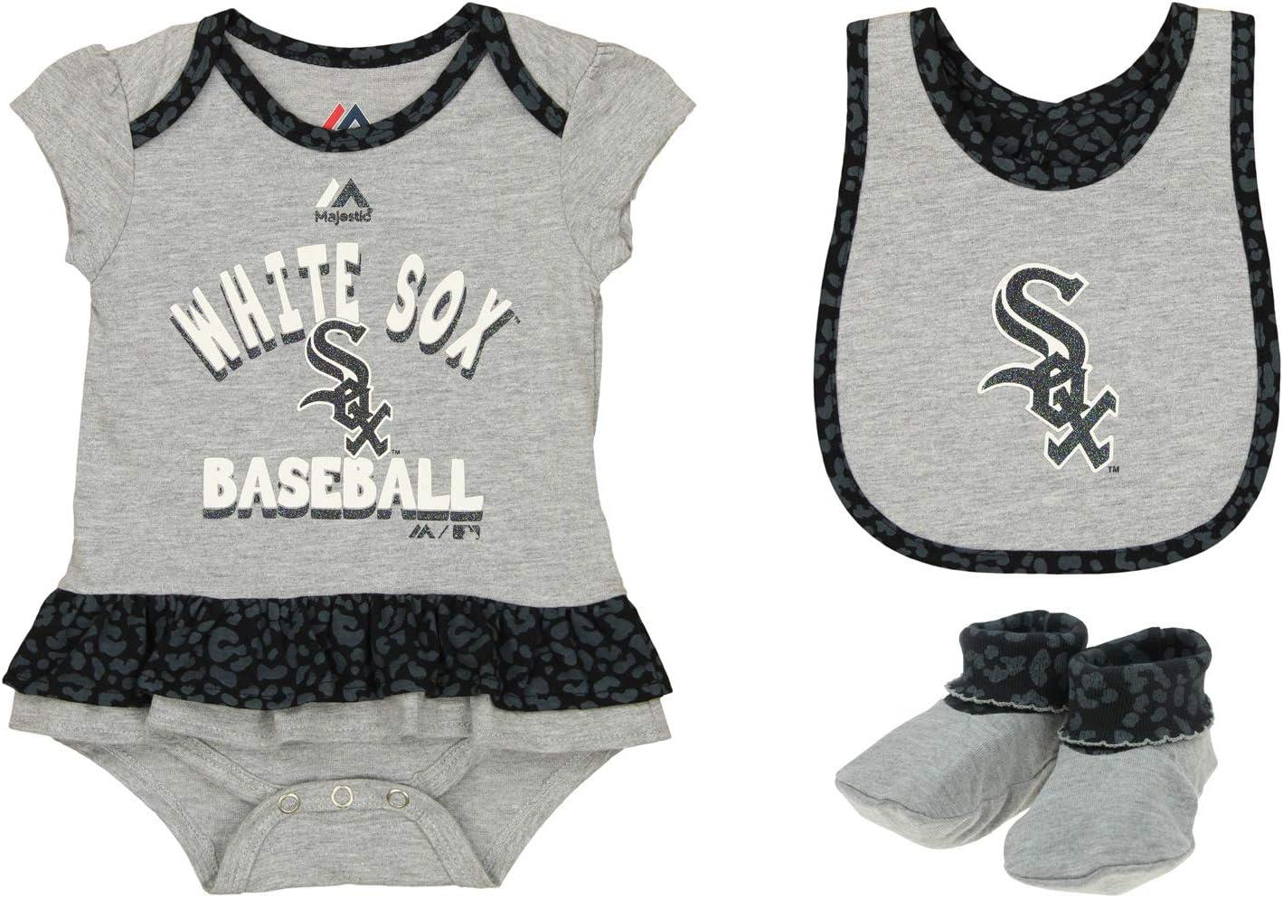Outerstuff MLB Infants Wild Card Bib & Bootie Set, Team Variation: Sports & Outdoors