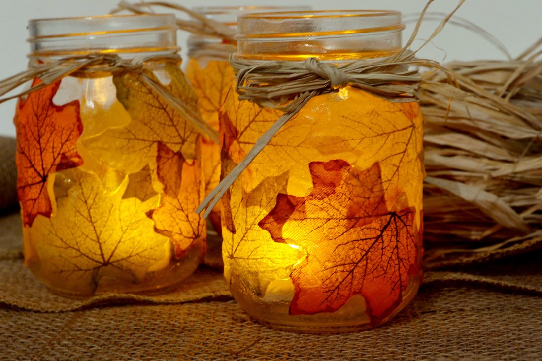 Moon-Boat-500PCS-Fall-Artificial-Maple-Leaves-Decorations-Thanksgiving-Autumn-Leaf-Wedding-Party-Table-Decor