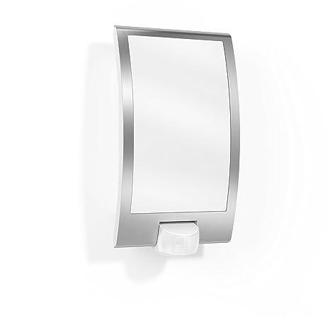 Lámpara de pared para exteriores de Steinel, con detector de movimiento a 180 grados y
