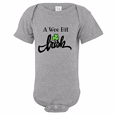 7ea464a60 Amazon.com  U.S. Custom Kids A Wee Bit Irish Baby Onesie  Clothing