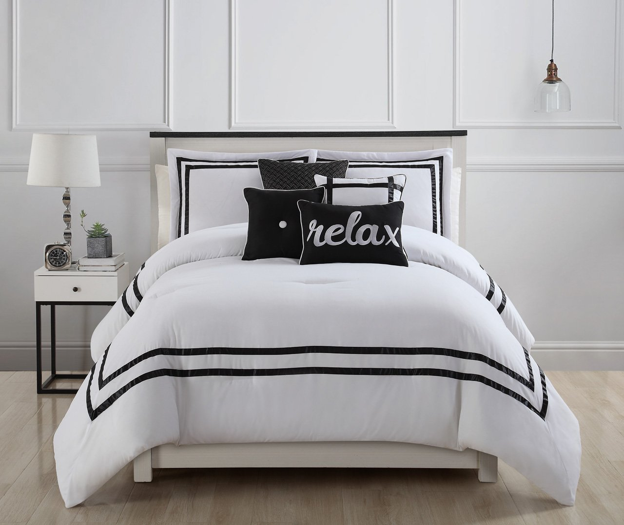 11 Piece Catherine Malandrino Sterling Black/White Bed in a Bag Set Queen