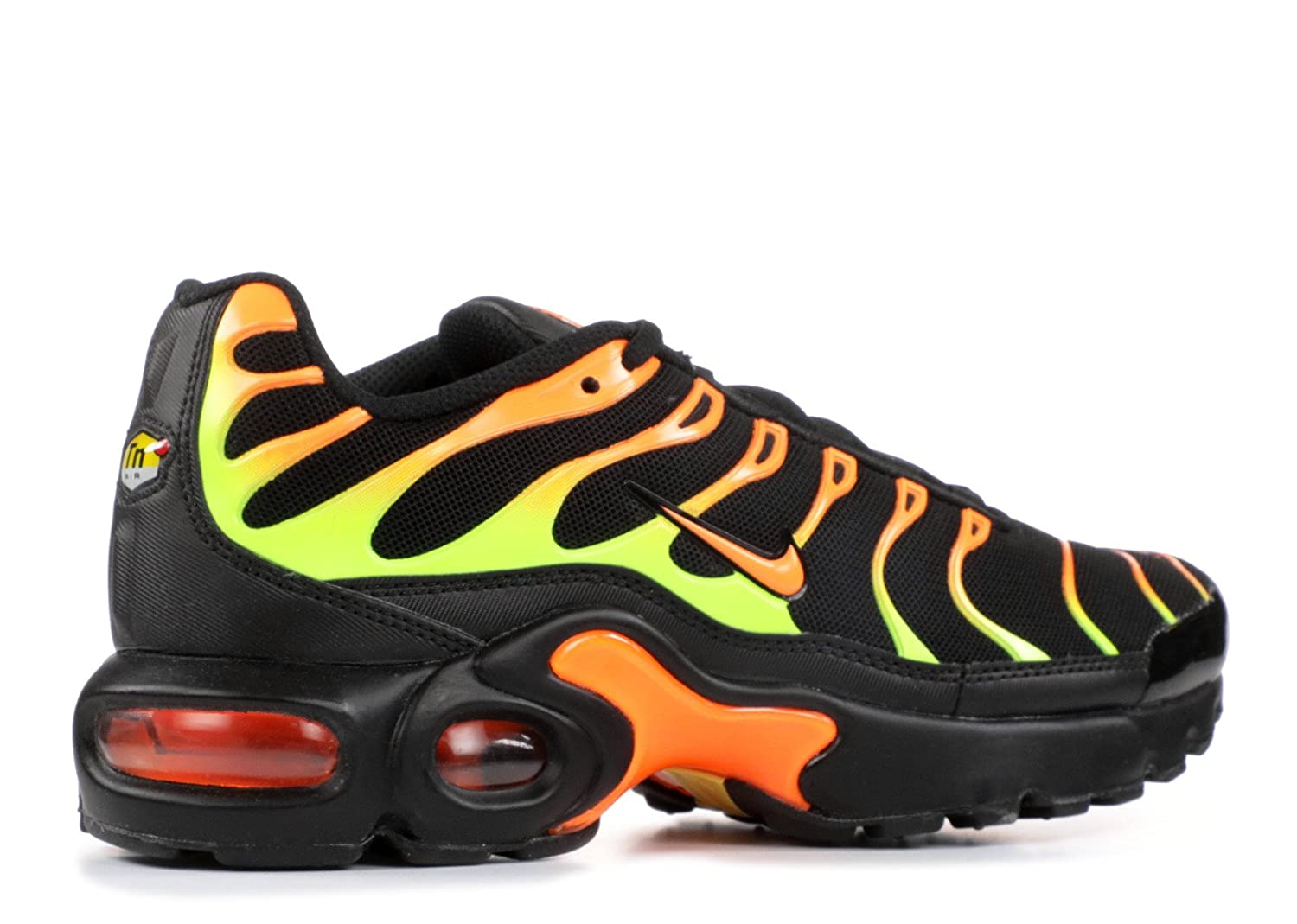 9233d886f9 Amazon.com | Nike Air Max Plus Black/Volt-Total Orange (GS) (3.5 M US Big  Kid) | Fashion Sneakers