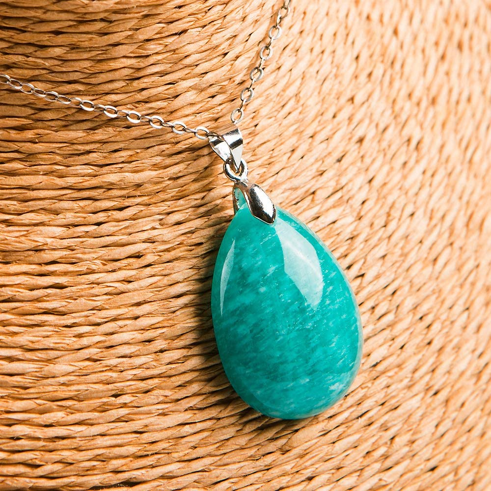 DUOVEKT Natural Green ite Water Drop Gemstone Mozambique Pendant 28x19x8mm Woman Lady Crystal Healing Pendant AAAAA