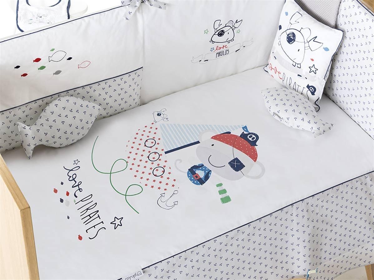 pirulos 27713320Steppdecke, Nestchen und Kissen, Motiv Pirate, 72x 142cm, weiß und grau