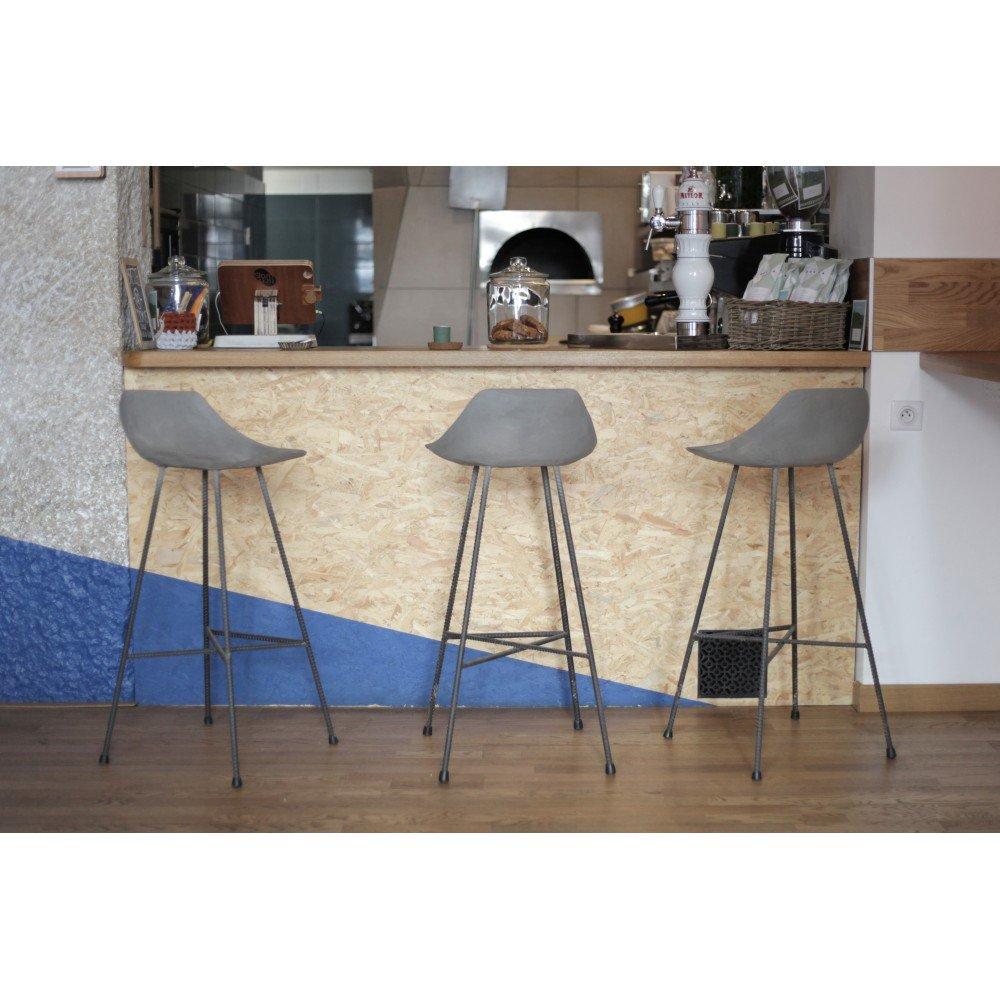 Hauteville - Taburete de bar en hormigón para interiores ...