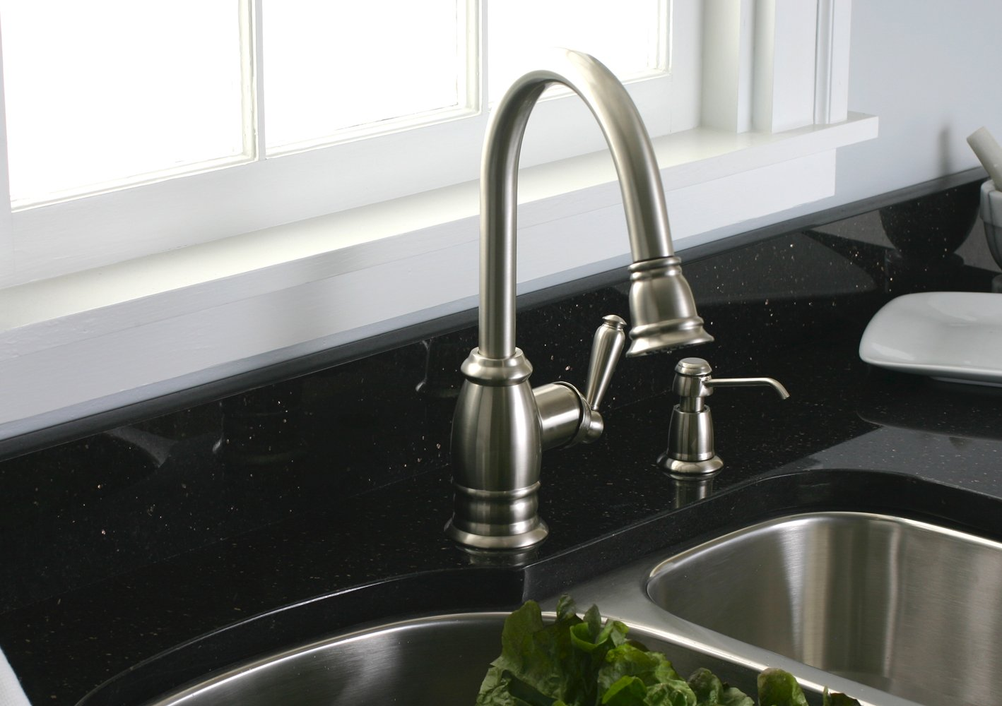 Premier 120111LF Sonoma Kitchen Faucet with Pull-Down Spout and On ...