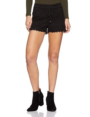 e806f3226 VERO MODA Women s Cotton Shorts  Amazon.in  Clothing   Accessories