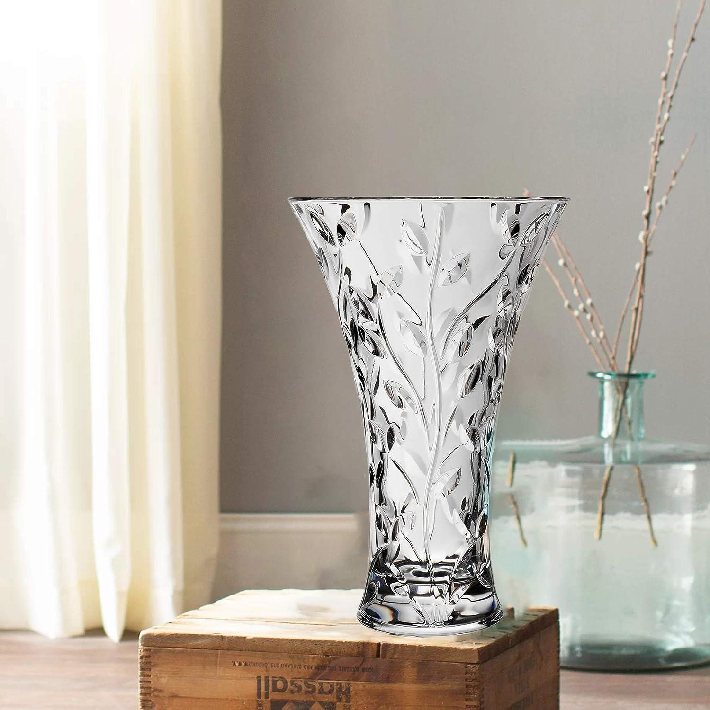 Amazon Com Le Raze Elegant Glass Vase For Flowers Home Decor Or Wedding Centerpiece 11 Decorative Crystal Flower Vase Home Kitchen