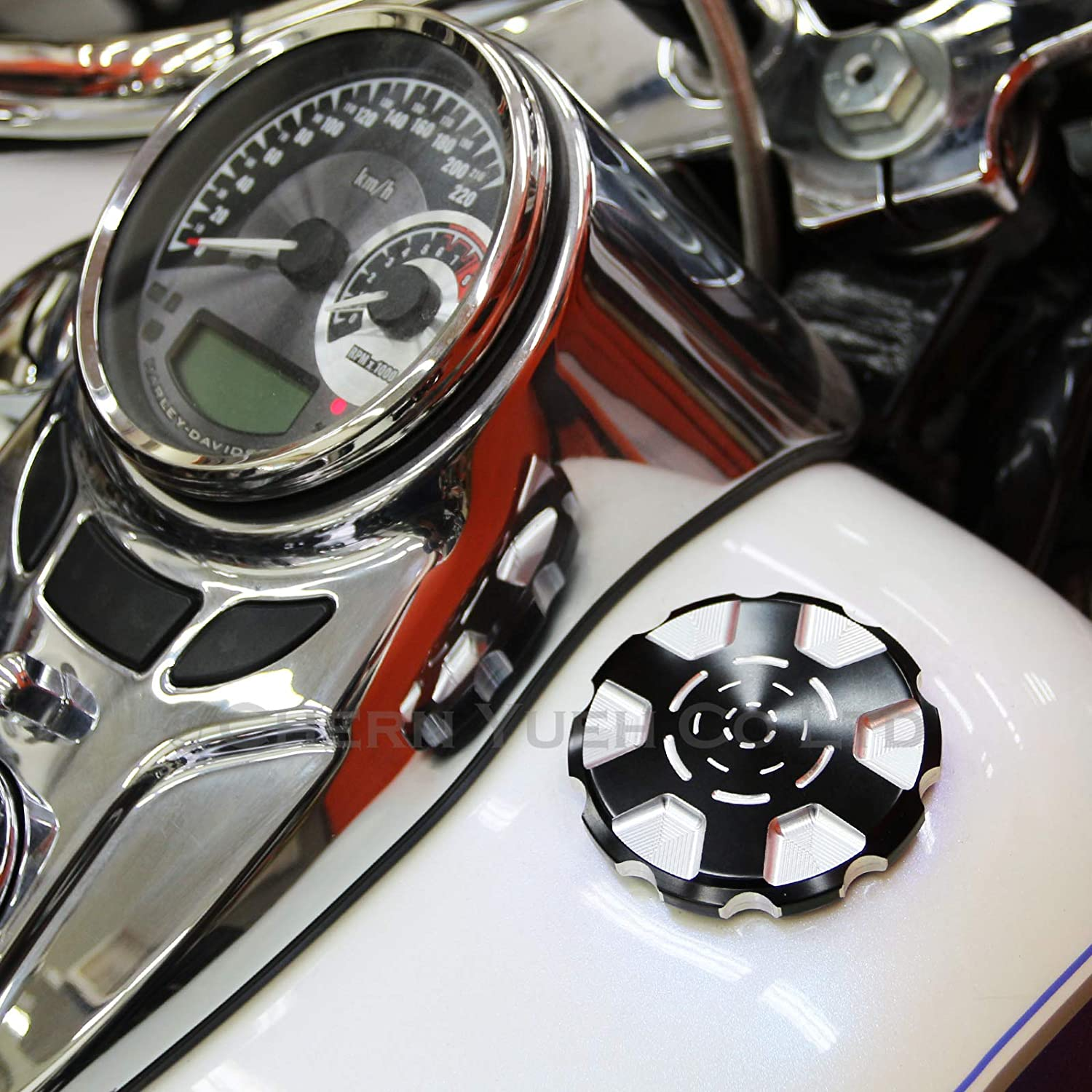 Motorcycle Gas Cap Vented Fuel Tank Cap for Harley-Davidson Sportster Touring Dyna Chrome