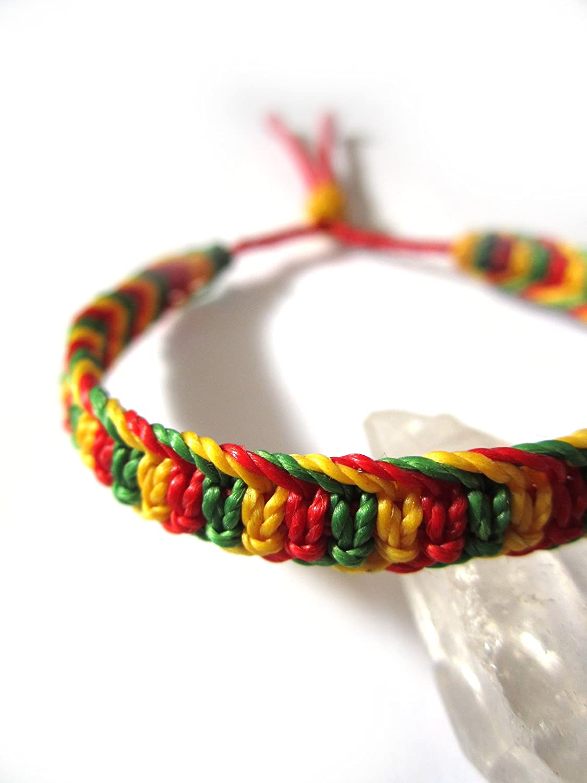 73965cd6501f Bracelet brésilien  amitié  couleur rasta Jamaïque reggae   en fil vert  jaune rouge tissé ...