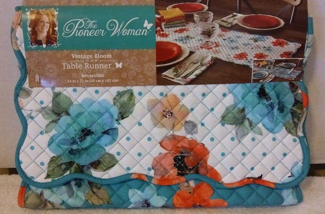 Town & Country Linen Corp The Pioneer Woman Vintage Bloom Reversible Table Runner, 14 x 72