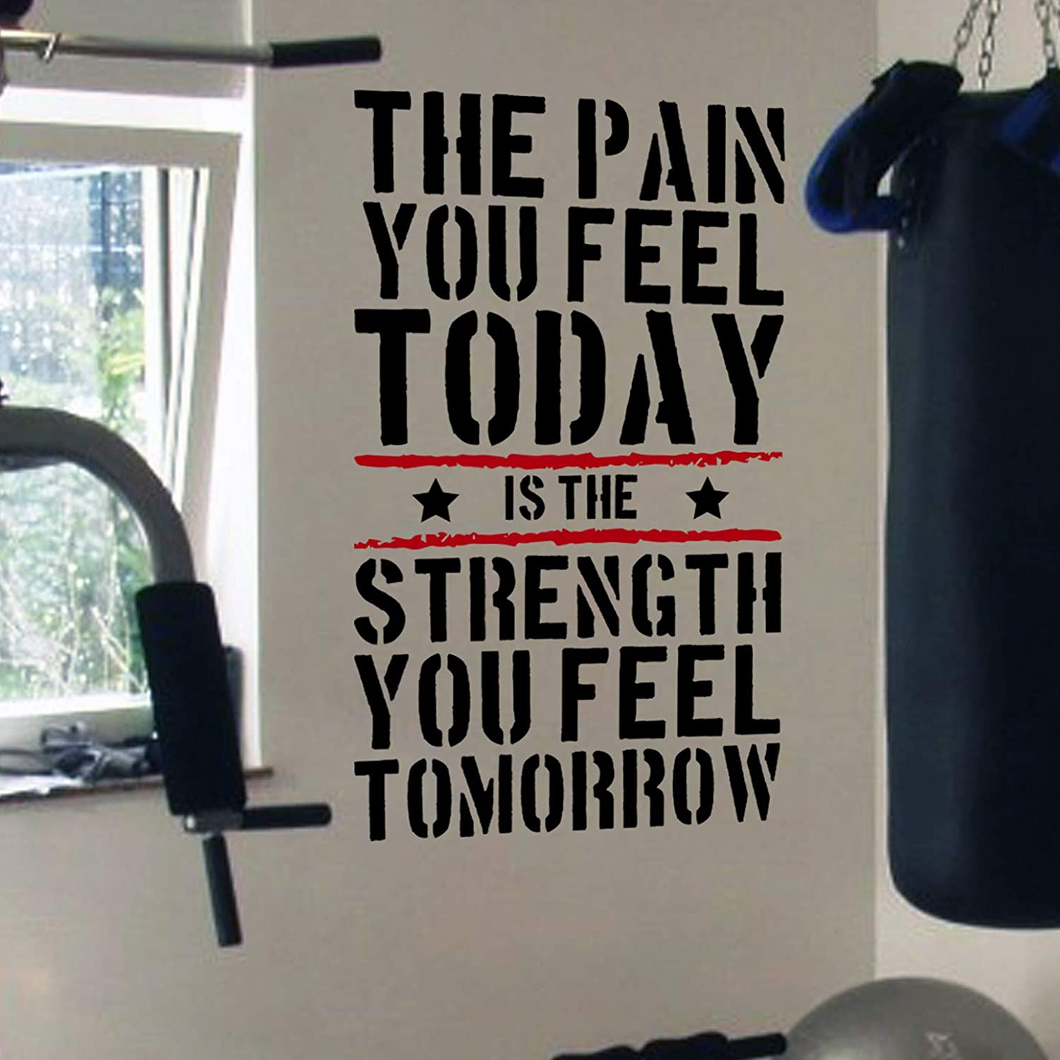 DesignDivil, adesivo murale con frase motivazionale su salute/allenamento in inglese 'The Pain You Feel Today is the Strength You Feel Tomorrow', per TRX, spinning, kettlebell, allenamento, boxe e arti marziali Designdivil Wall Decals