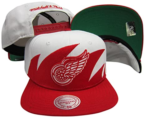 more photos 9d6fb 87217 Image Unavailable. Image not available for. Color  Mitchell   Ness Detroit  Red Wings Snapback Adjustable Plastic Snap Back Hat Cap