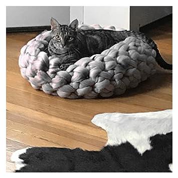 74b325e9d195 Chunky Knit Pet Bed Pet Cavr Cat Bedding Arm Knit Super Wool Yarn Cat House  (S:16 inch diameter (appr. 40 cm), Light Grey): Amazon.co.uk: Pet Supplies